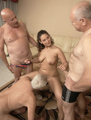 Hot Teen Foursome Porn Pictures