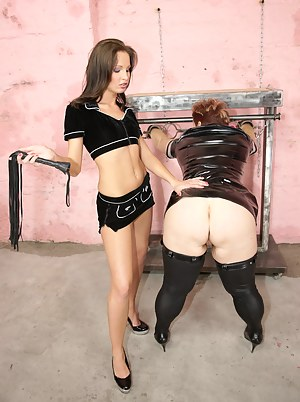Hot Teen BDSM Porn Pictures