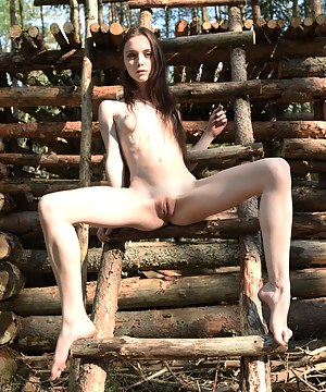Hot Skinny Teen Porn Pictures